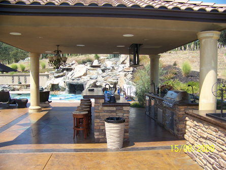 Outdoor kitchen luxury outdoor living in sacramento for Luxury outdoor kitchen