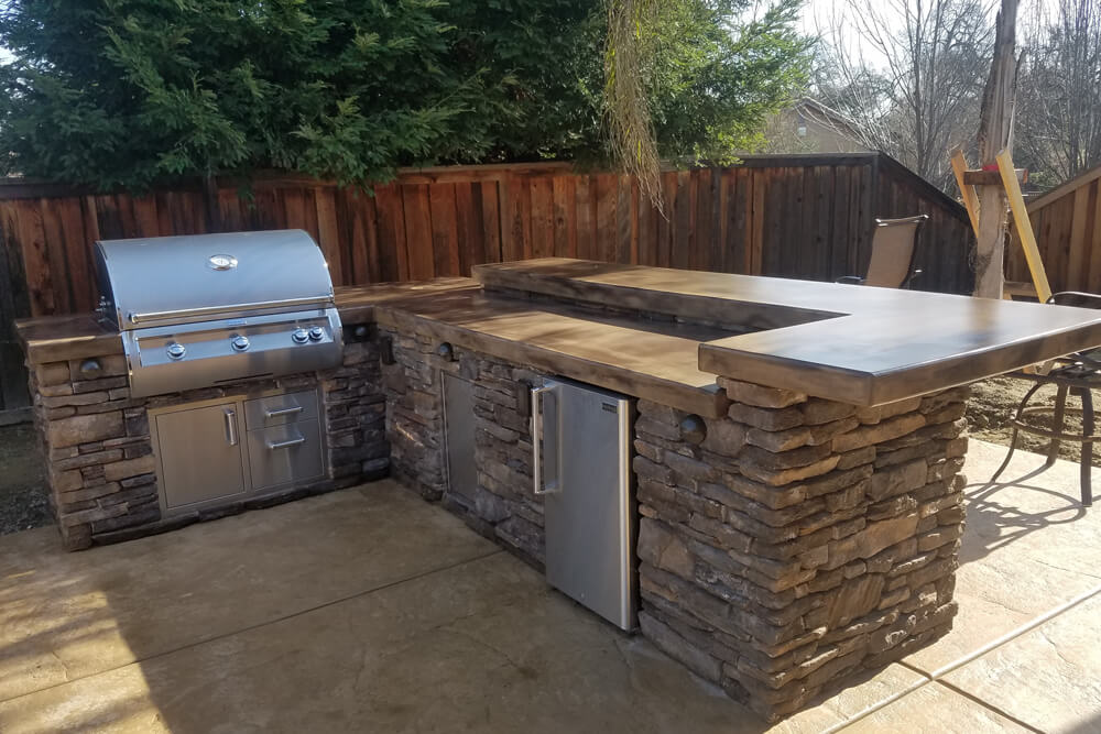 El Dorado Stone Outdoor Kitchen Designed in Roseville